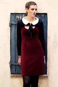 Kleid aus rotem Samt